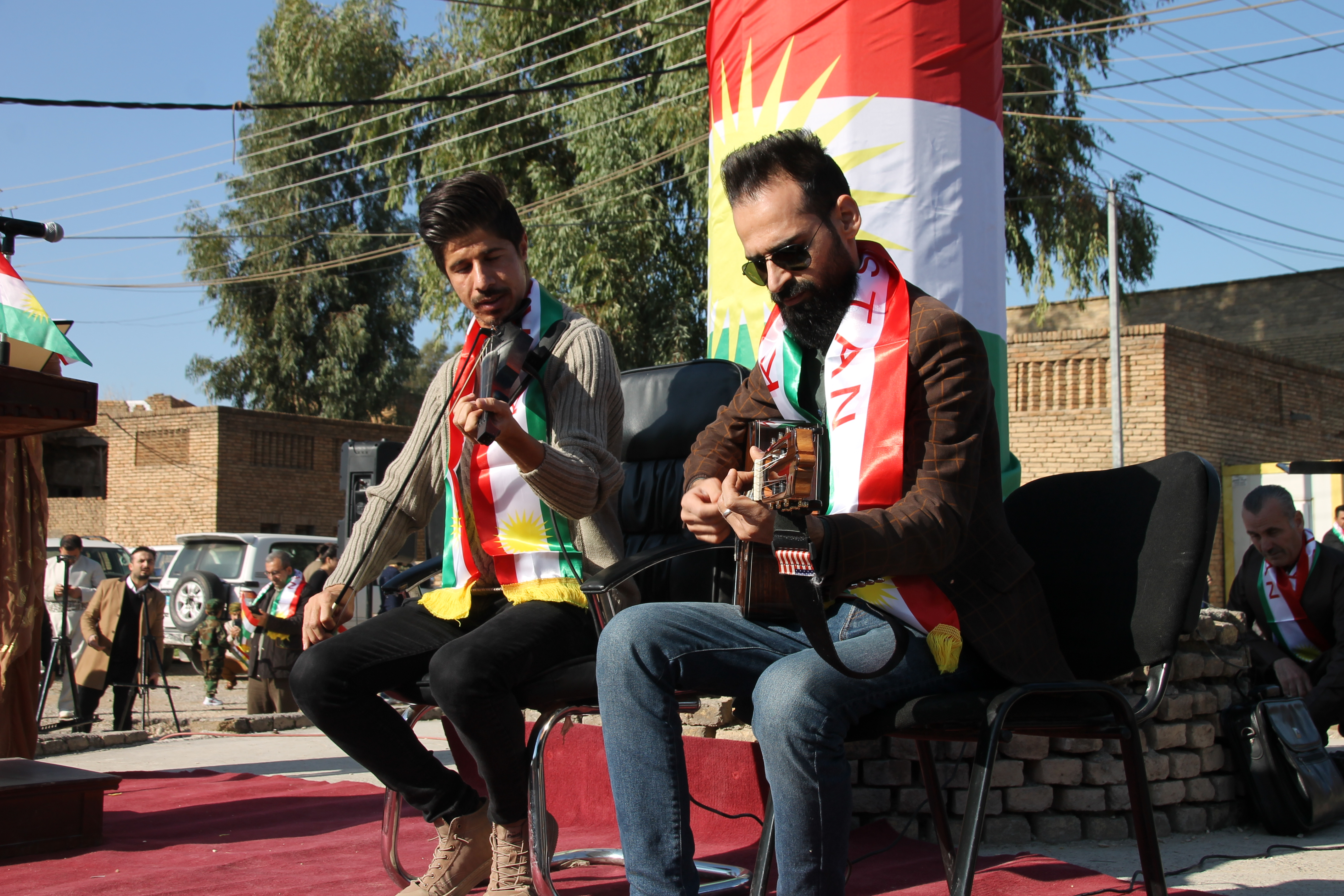 Kurdish musicians at Flag Day celebrations at the citadel, photo by the author