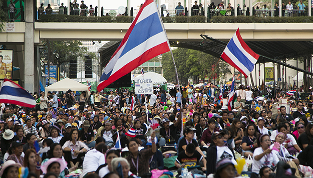 Political Polarization, Transition, and Civil Society in Thailand and Malaysia