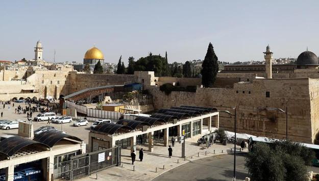 Top Iranian military commander warns Israel of new Intifada