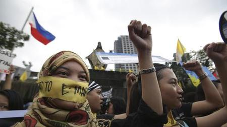 Civil Society, Political Alliance-Building, and Democratization in the Philippines: An Instructive Example for the MENA Region?