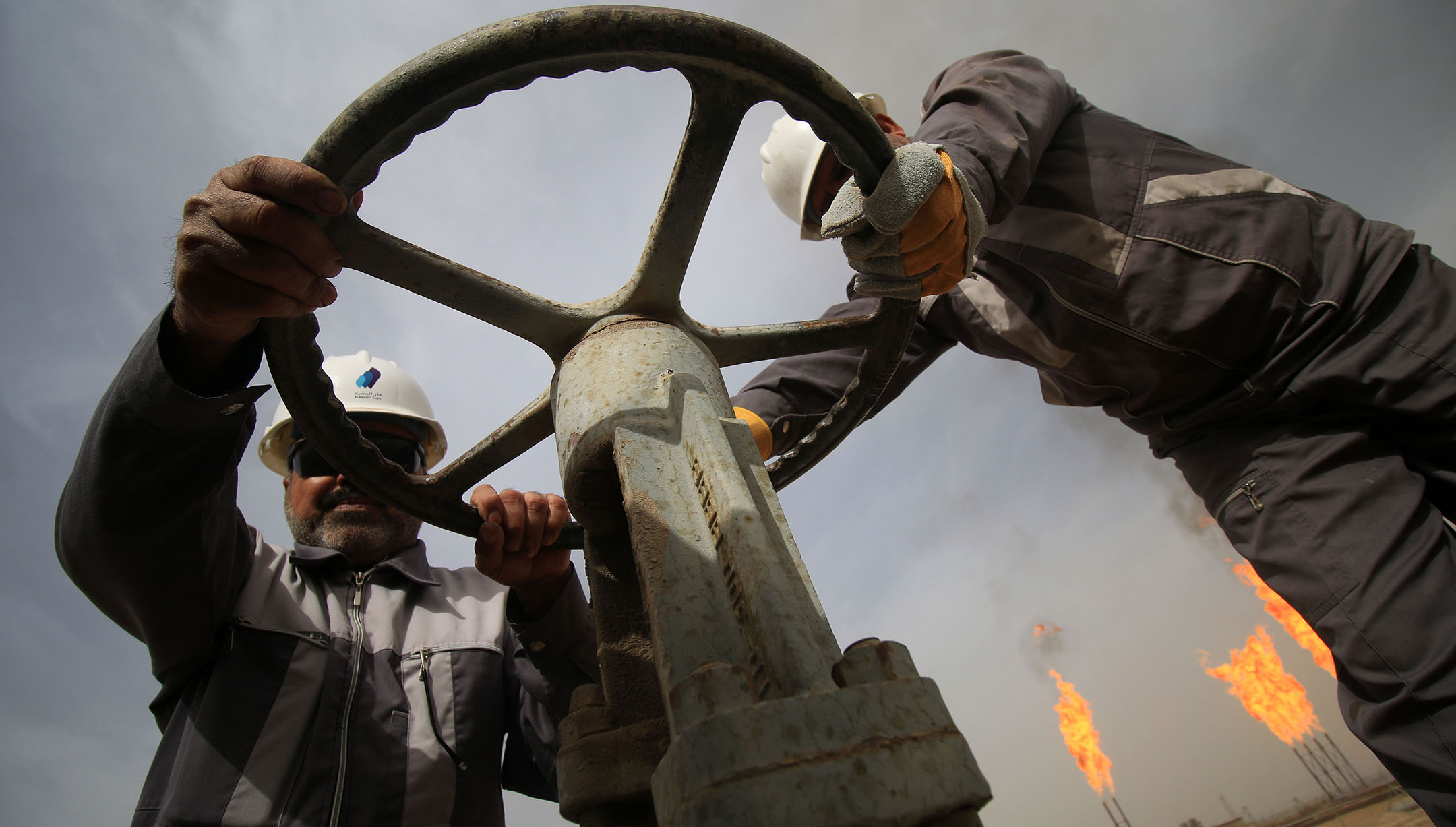 Iraqi oil law puts elections before state-building