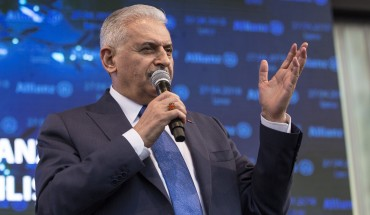 Turkish Prime Minister Binali Yildirim makes a speech during the ribbon-cutting ceremony of insurance firm Allianz's campus in Gaziemir, Izmir, Turkey on April 27, 2018.