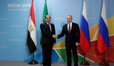 Russian President Vladimir Putin (R) meets with his Egyptian counterpart Abdel Fattah el-Sisi on the sidelines of the 2019 Russia-Africa Summit in Sochi on October 23, 2019. (Photo by Mikhail METZEL / SPUTNIK / AFP) (Photo by MIKHAIL METZEL/SPUTNIK/AFP via Getty Images)