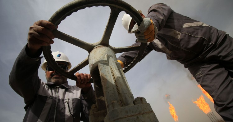 Iraqi oil law puts elections before state-building   Middle